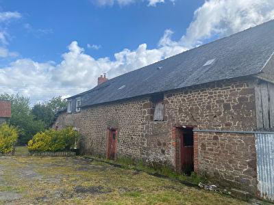 Maison en pierres avec dépendances et terrain en campagne