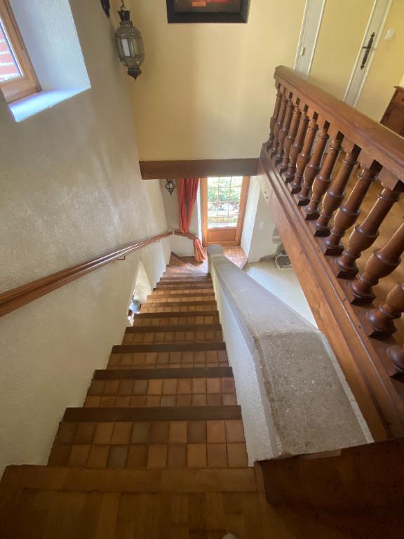 Maison familiale en pierres 6 pièces 4 chambres