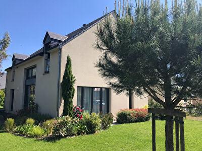 Maison Saint Jean Sur Mayenne 7 pièce(s) 177 m2