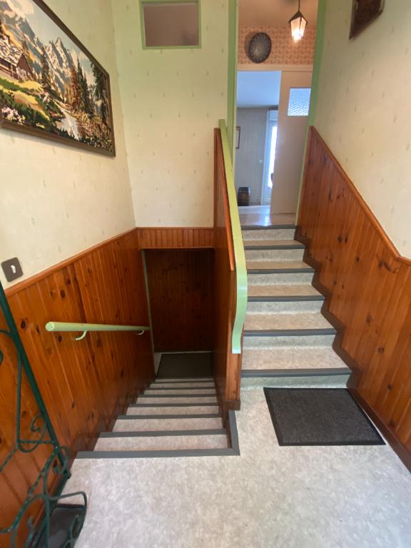 Maison 3 chambres - sous sol total - Villaines-la-Juhel 93 m2