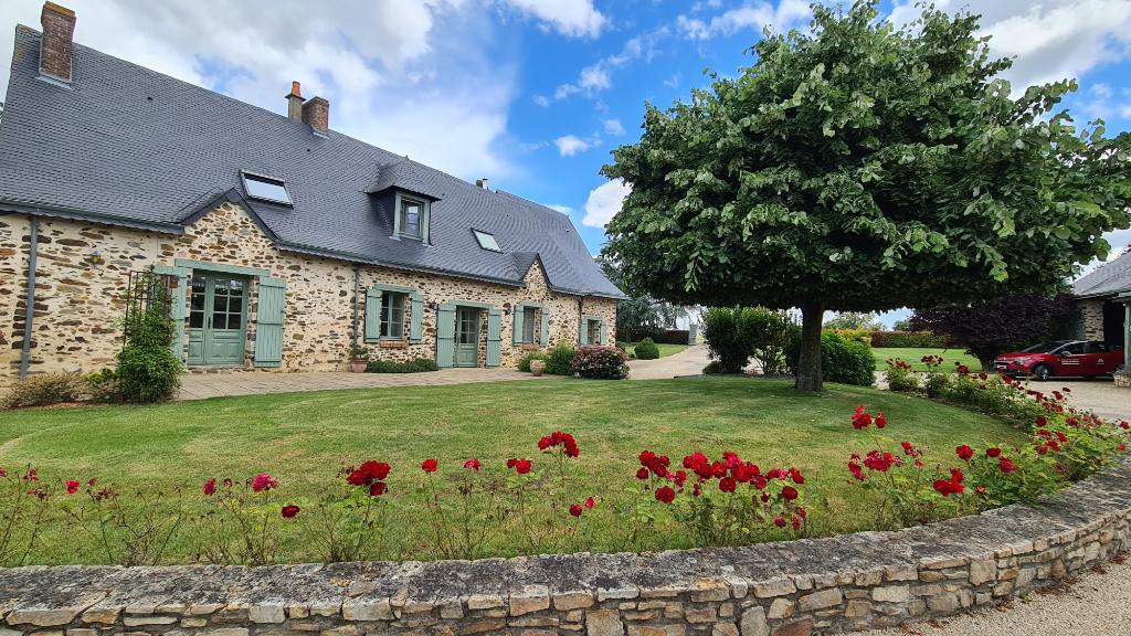Maison Quelaines Saint Gault 249 m2