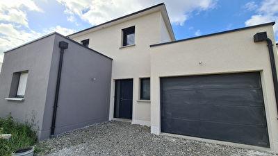 Maison Bonchamp Les Laval 10 pièce(s) 138 m2