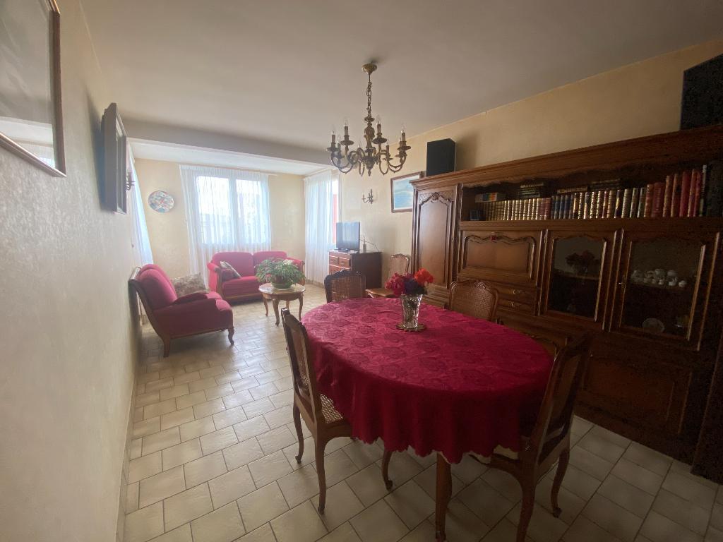 Maison 4 pièces 3 ch - jardin - sous-sol