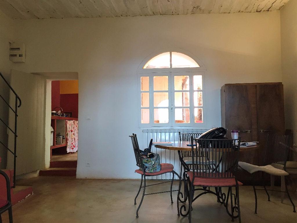 Maison de village à Roussillon avec cour et vue sur le val des fées