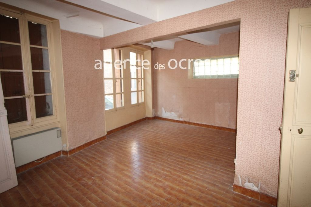 Immeuble Apt centre ancien bien situé a rénover  100 m2