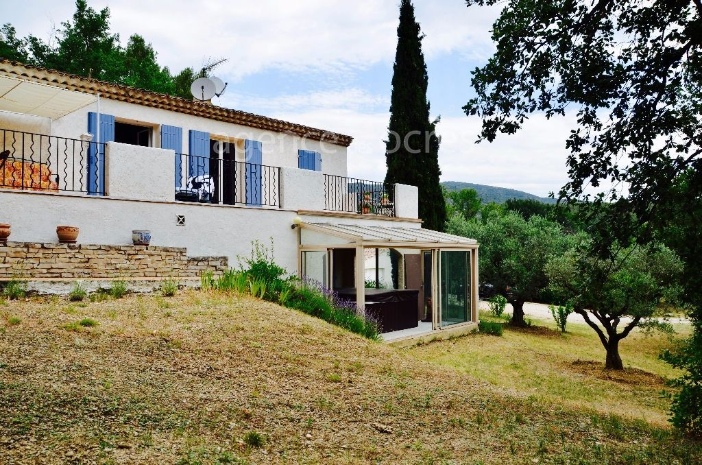 Property Lauris 160m² - Park of 1.25 hectares