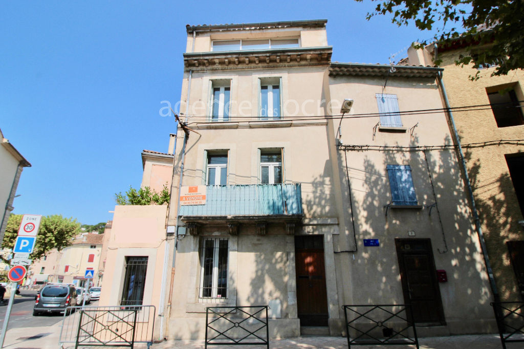 Townhouse Apt 125m ² with commercial premises