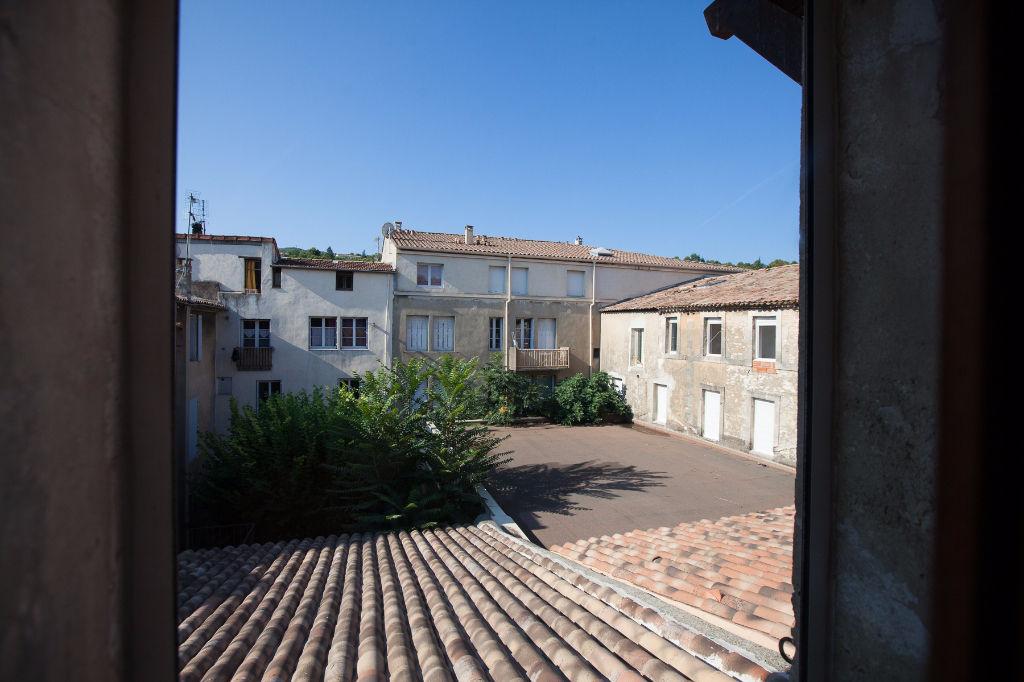 Appartement Apt 3 pièce(s) 137 m2