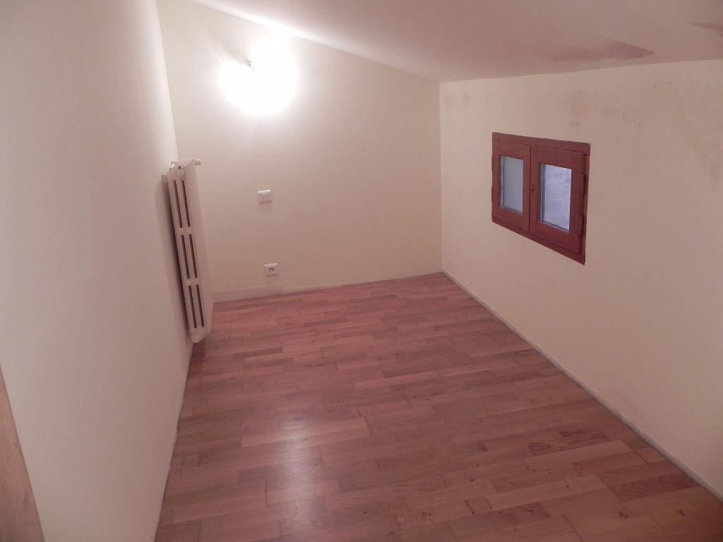 Apartment Apt 2 room (s) 73 m²