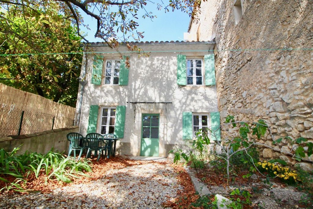 Village house of 49m ² with garden and cellar -Simiane la Rotonde