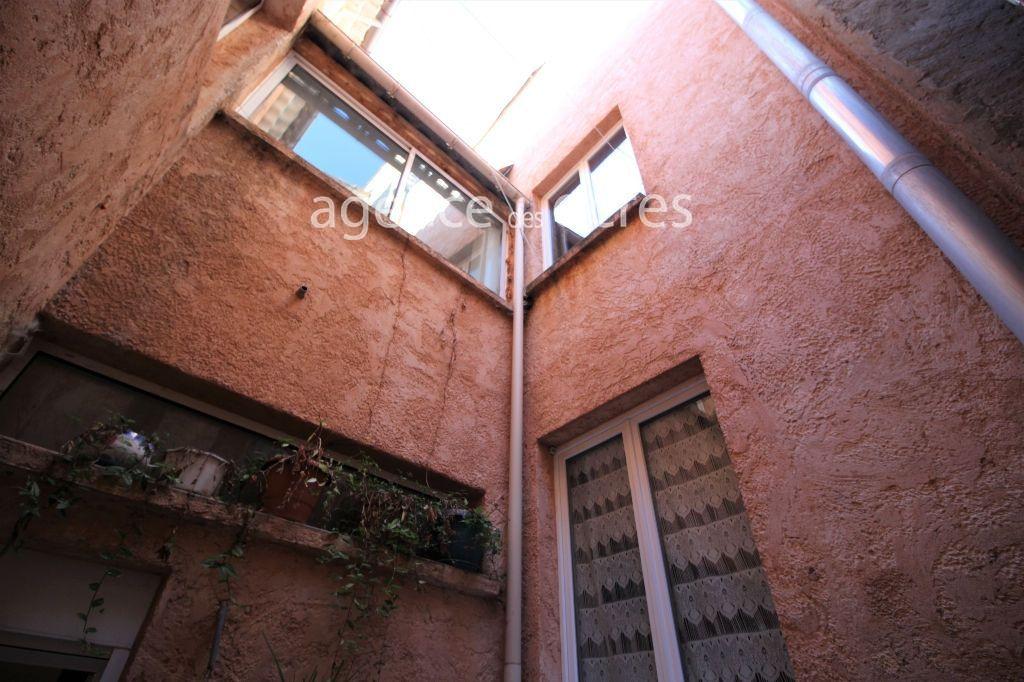 Immeuble - Maison de ville - 10 pièce(s) - 197 m2