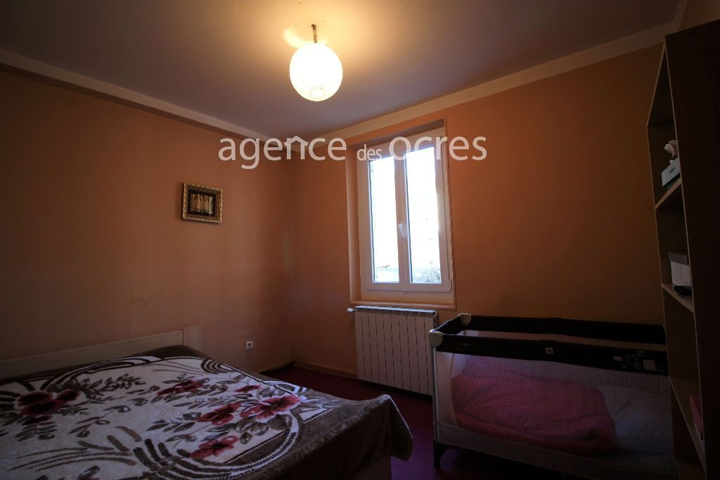 Small apartment house - Town house - 10 room (s) - 197 m2