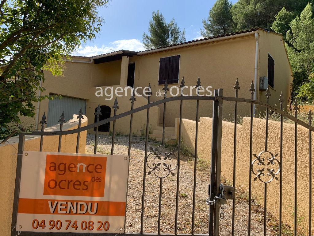 Villa avec terrain 1028m². Grande terrasse.