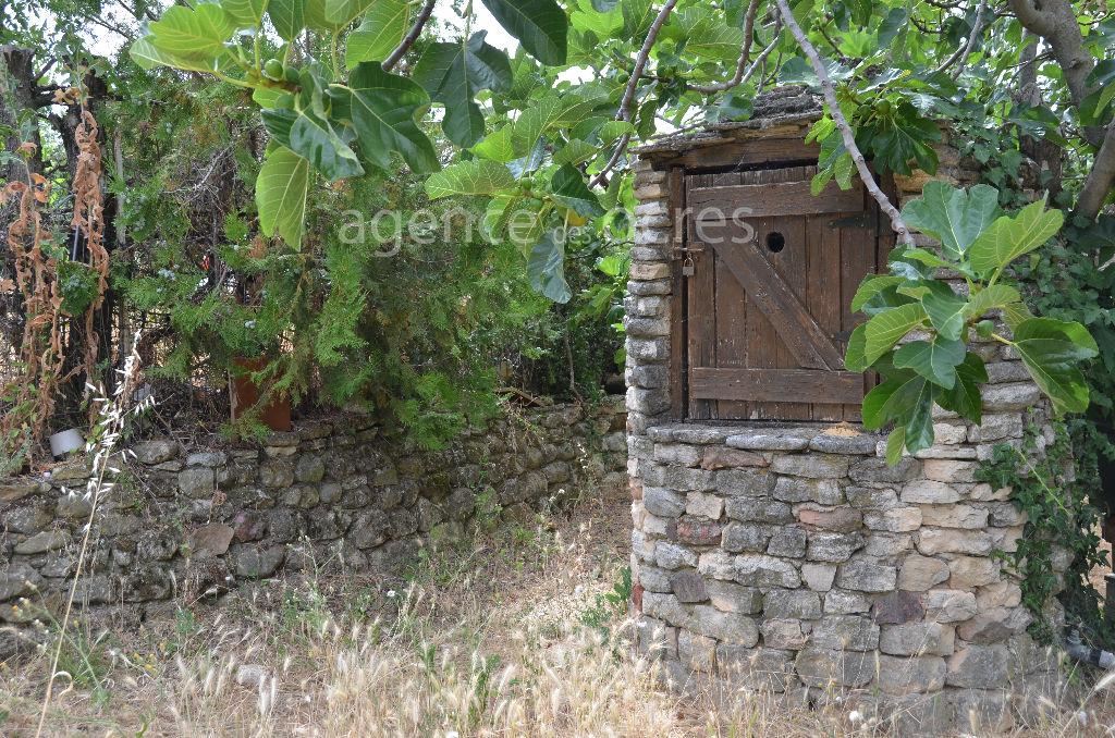Terrain à batir de 1206m² en campagne proche Roussillon