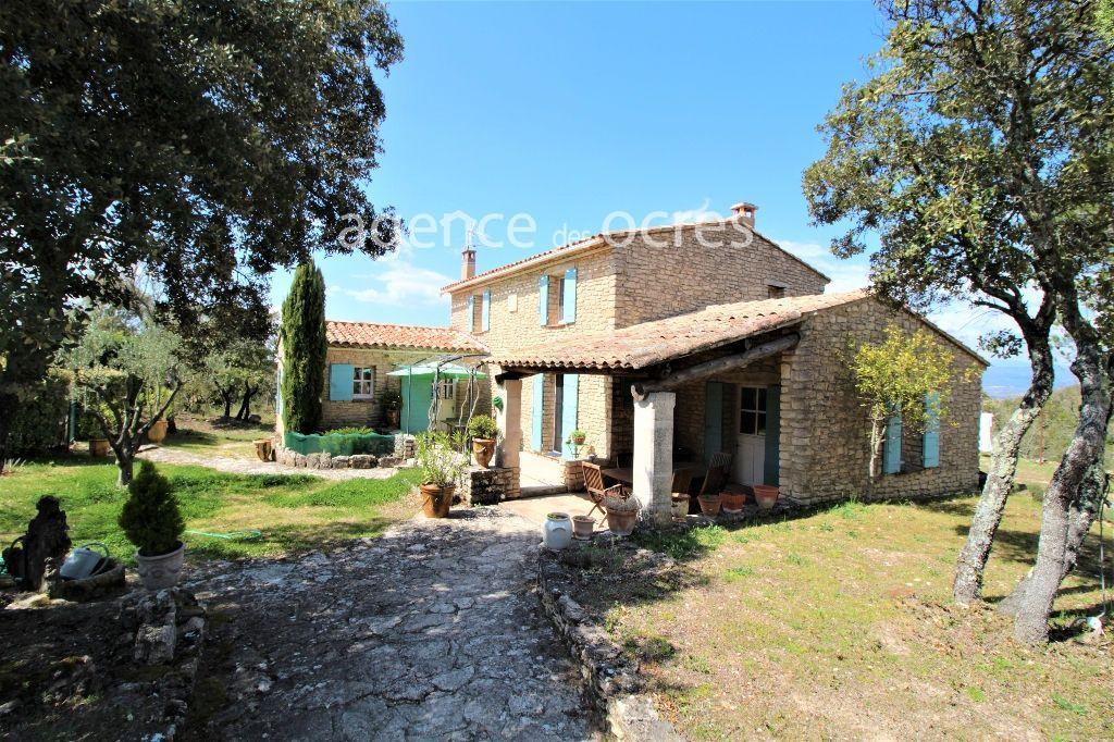 Maison en pierres avec terrain de 1.17 hectares