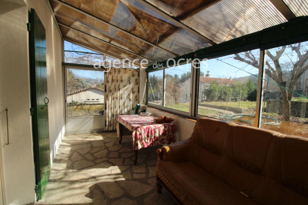 Maison APT 90m² avec garage double et jardin.