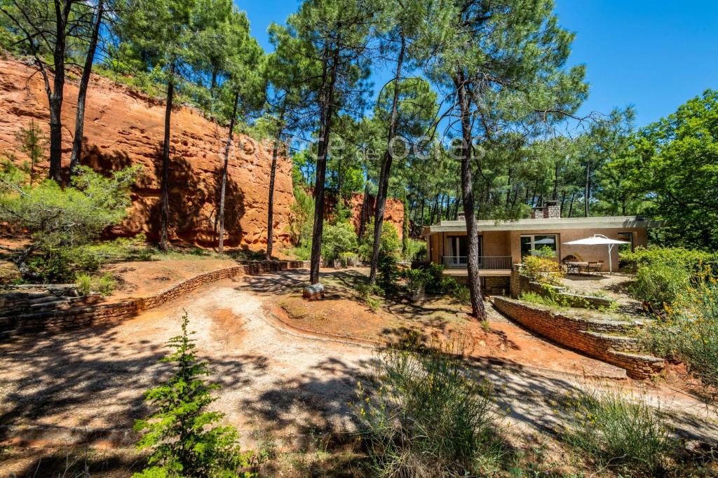 Contemporary House in the heart of Roussillon