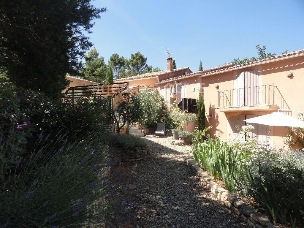 Maison qualitative et confortable au coeur de Roussillon
