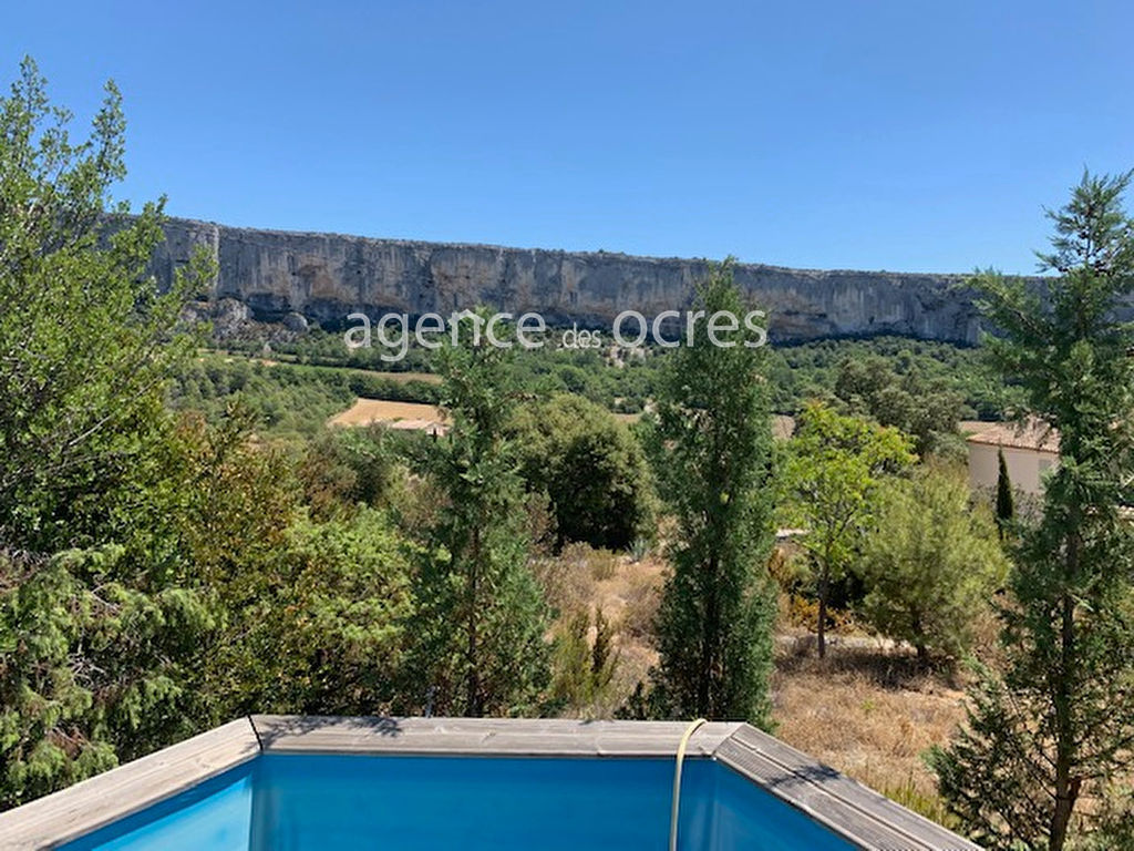 House with magnificent views in Lioux