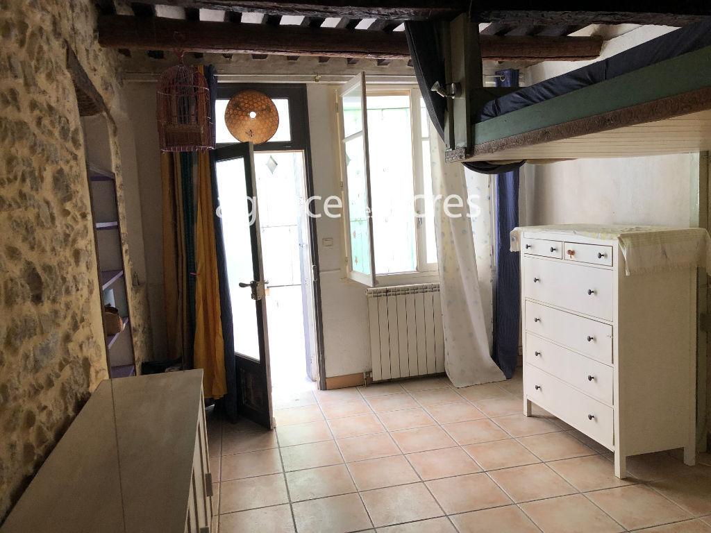 Appartement rez-de-chaussée 27.48 m2