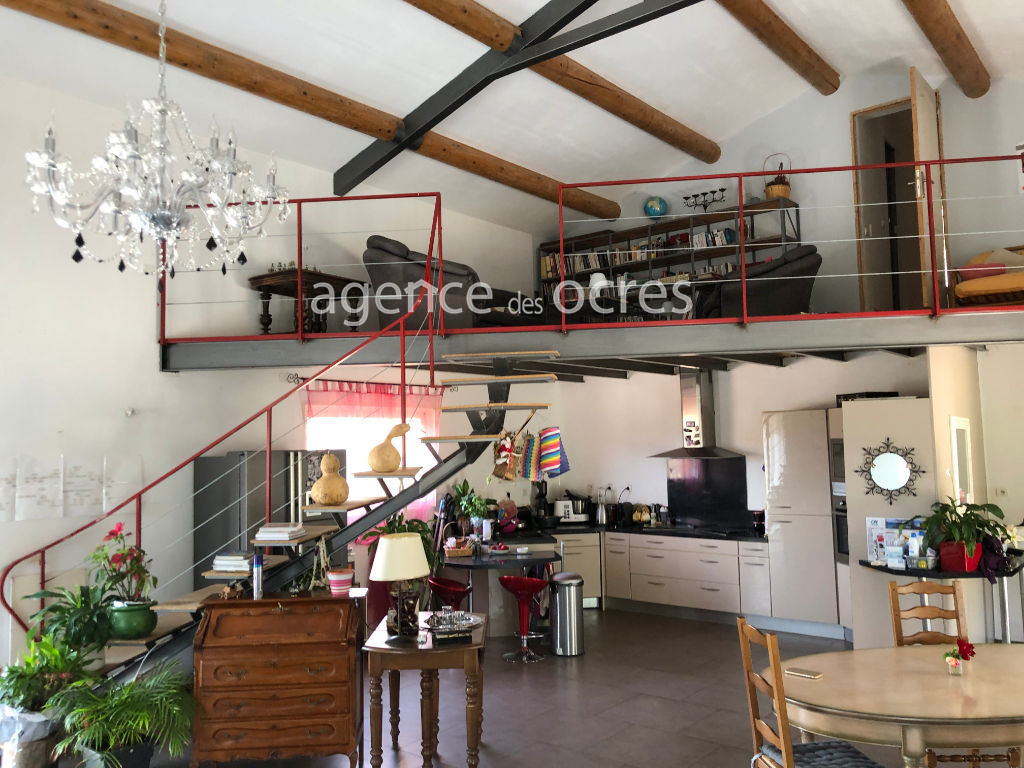 Villa of 158 m2 with swimming pool and garage of 232m²