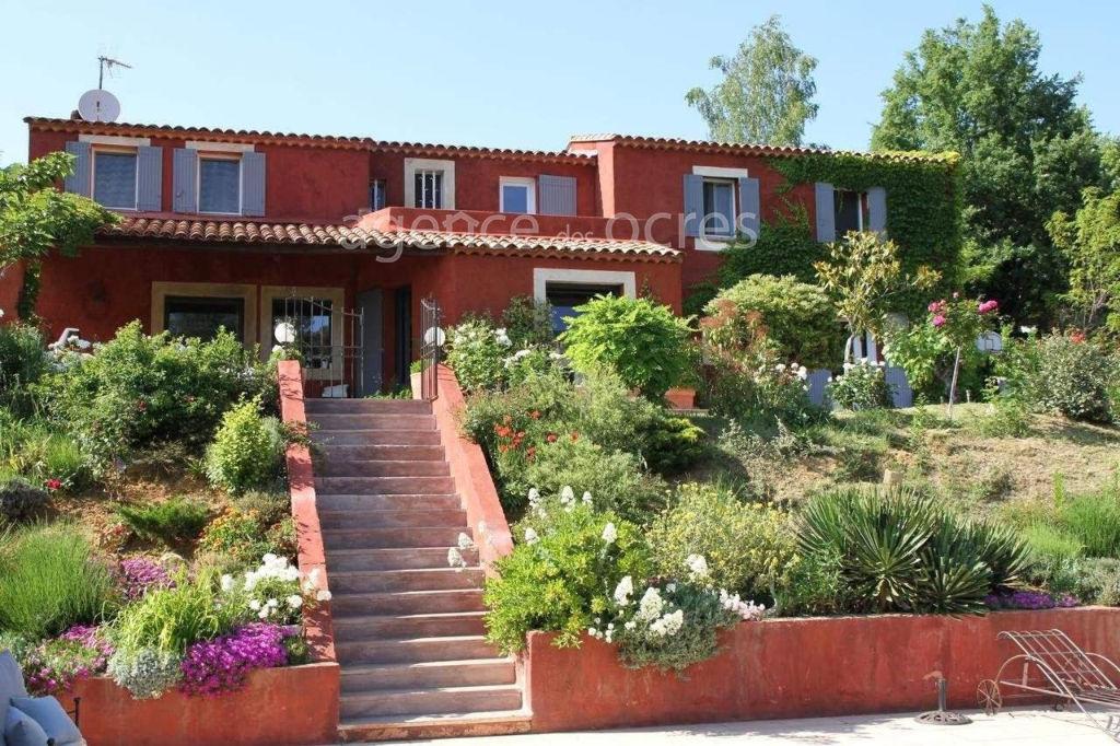 Maison Roussillon 215 m2