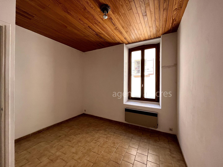 Saint Saturnin Les Apt Building 9 room (s) 230 m2