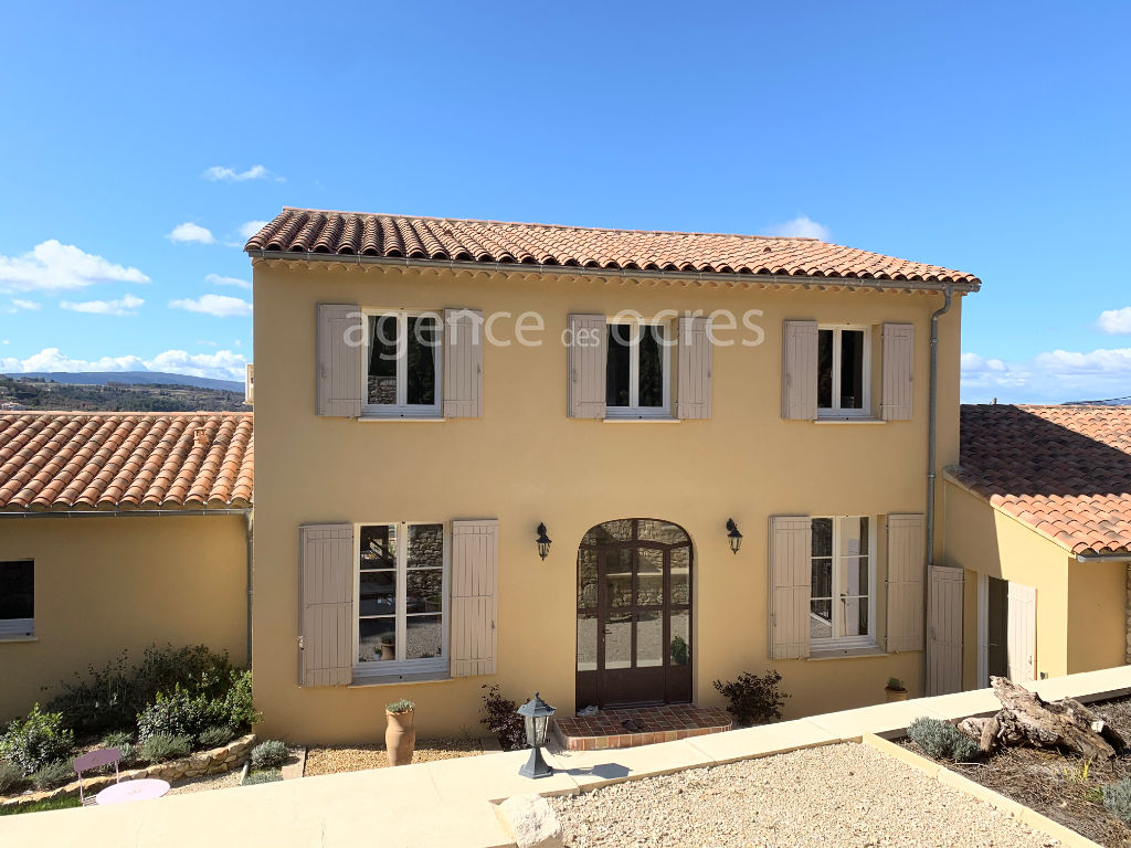 New Provencal country house in Apt