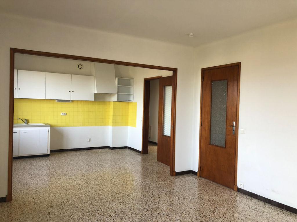 LOCATION Appartement Apt 4 pièce(s)