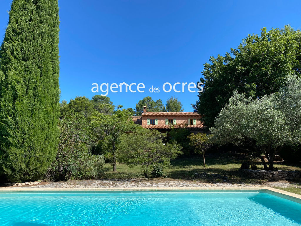 Roussillon house with pool and large plot