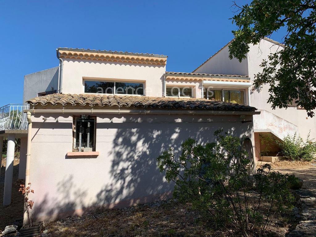 House overlooking Saint Saturnin lès Apt et Luberon