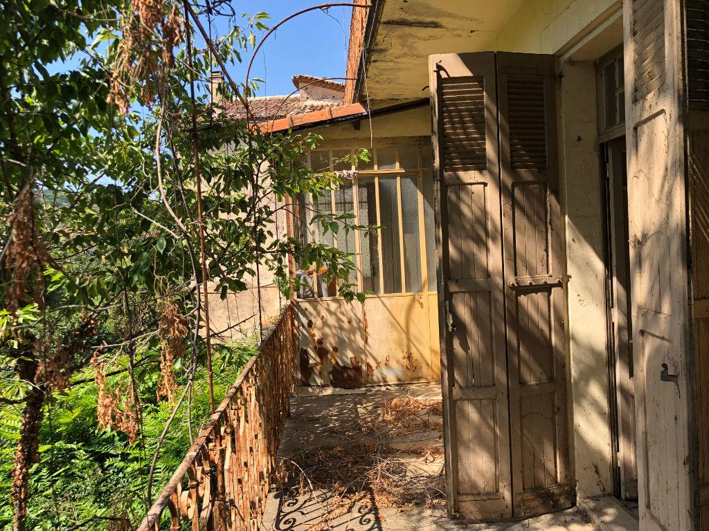 Immeuble 273m2 avec jardin et garages