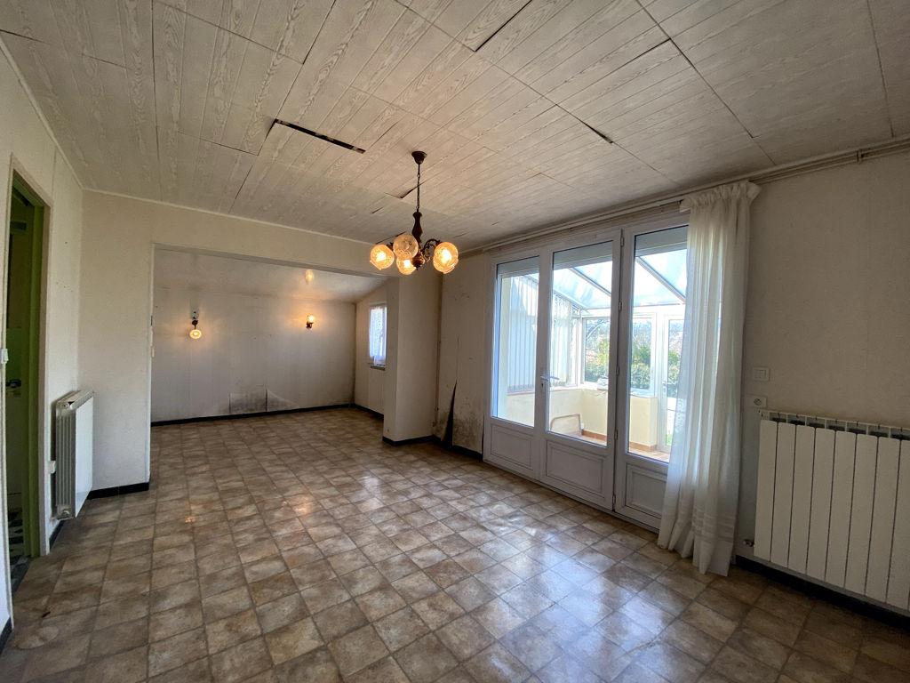 Single storey house 67m² in Céreste