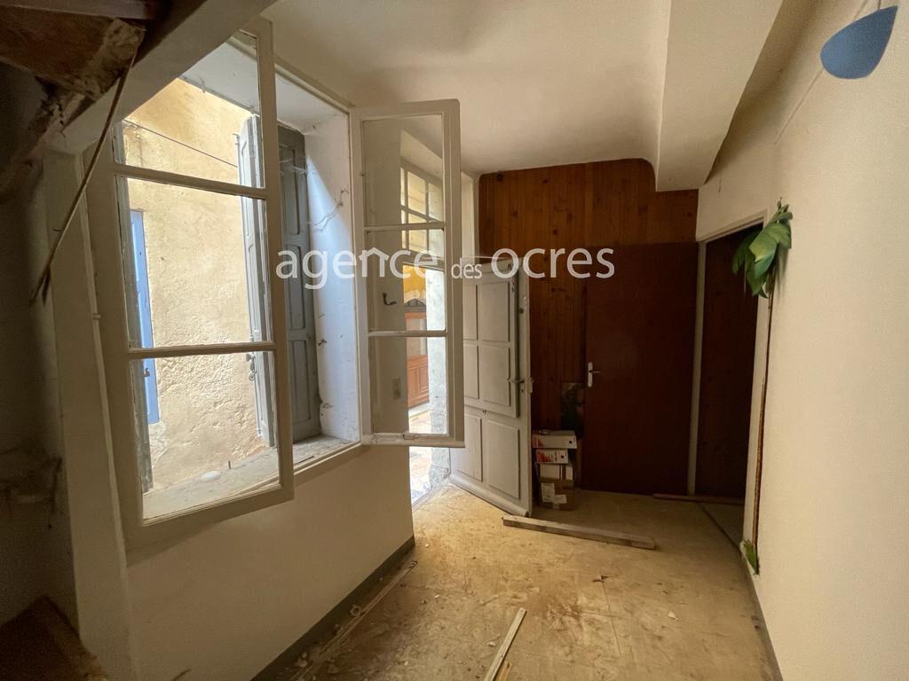 40sqm room on the ground floor in Apt
