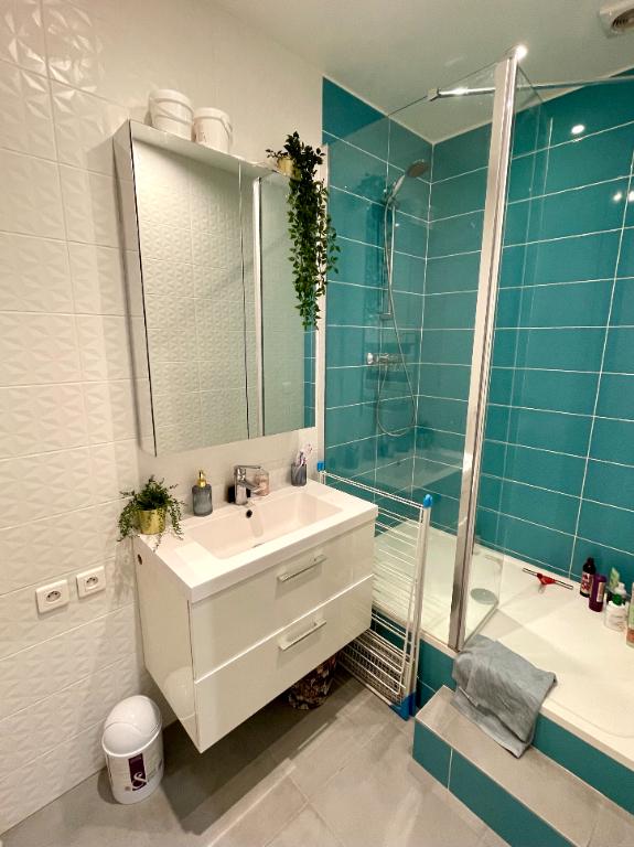 Sale apartment Paris 20ème 387000€ - Picture 5