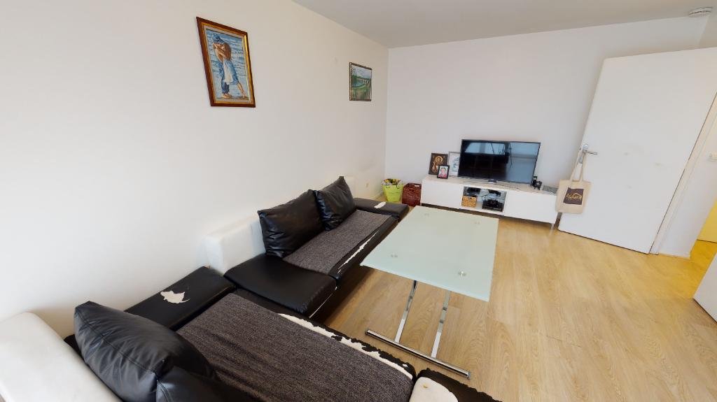 Sale apartment Romainville 264000€ - Picture 2