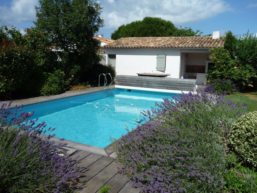 Maison / Villa à ARS EN RE 17590 (2078)