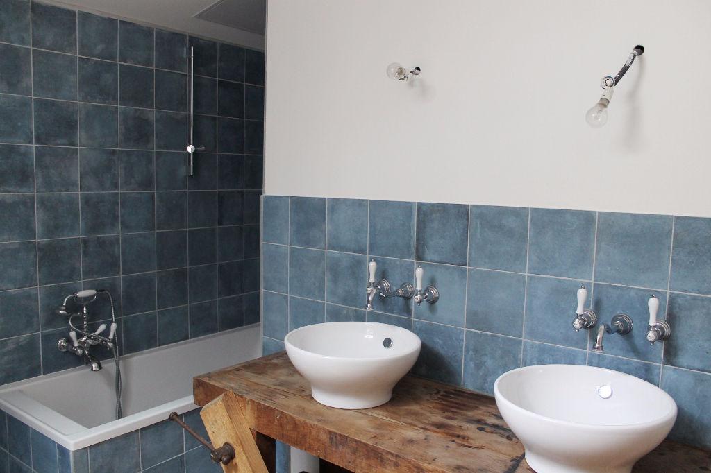 Maison / Villa à LA COUARDE SUR MER 17670 (2250)