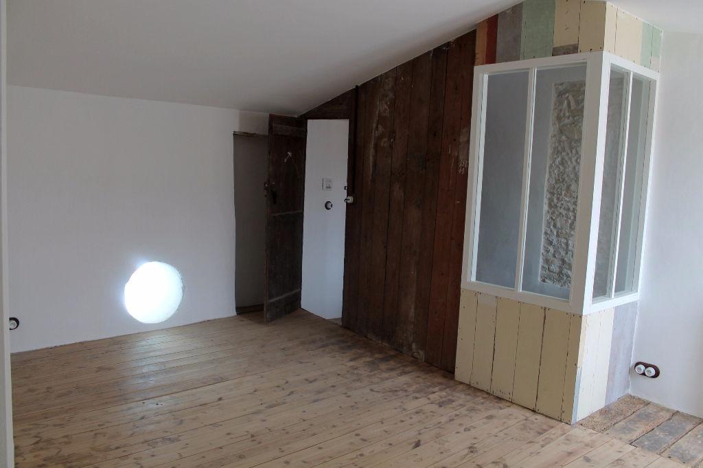 Maison / Villa à LA COUARDE SUR MER 17670 (2182)