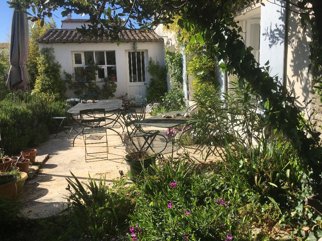 Maison / Villa à SAINT CLEMENT DES BALEINES 17590 (2173)