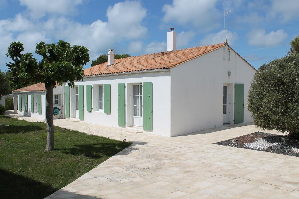 Maison / Villa à SAINT CLEMENT DES BALEINES 17590 (2195)