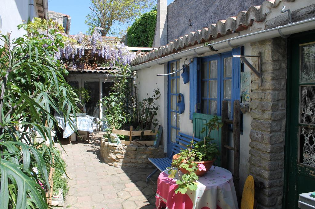 Maison / Villa à SAINT CLEMENT DES BALEINES 17590 (2197)