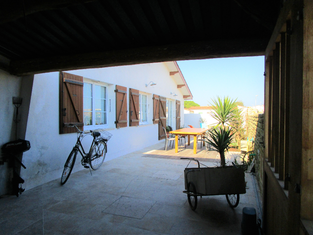 Maison / Villa à ARS EN RE 17590 (2205)