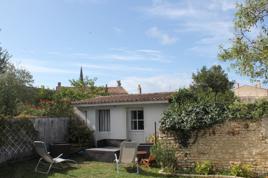 Maison / Villa à ARS EN RE 17590 (2216)