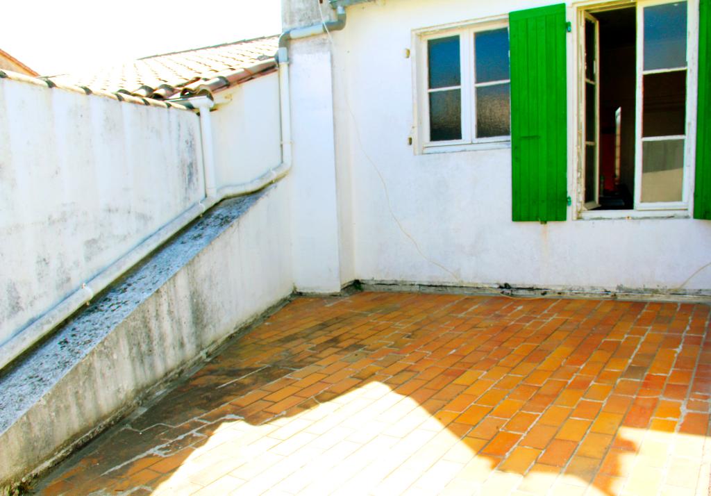 Maison / Villa à SAINTE MARIE DE RE 17740 (2226)