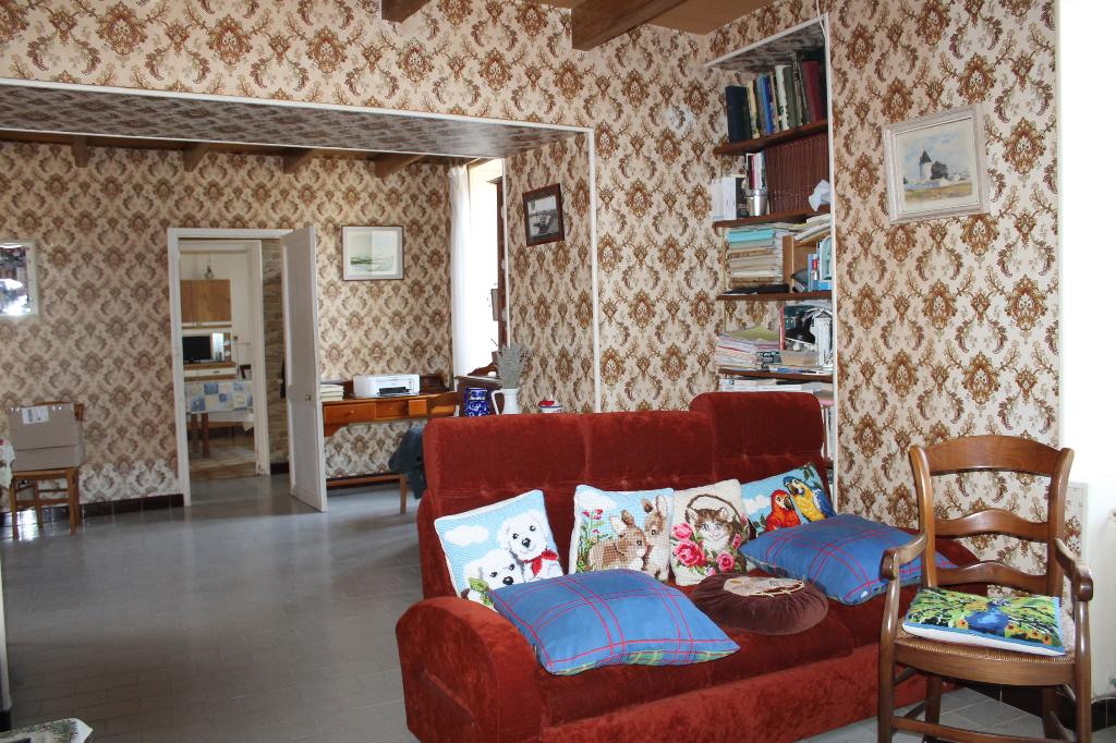Maison / Villa à ARS EN RE 17590 (2237)