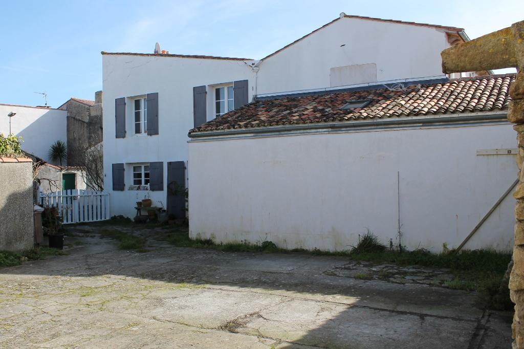Maison / Villa à ARS EN RE 17590 (2241)