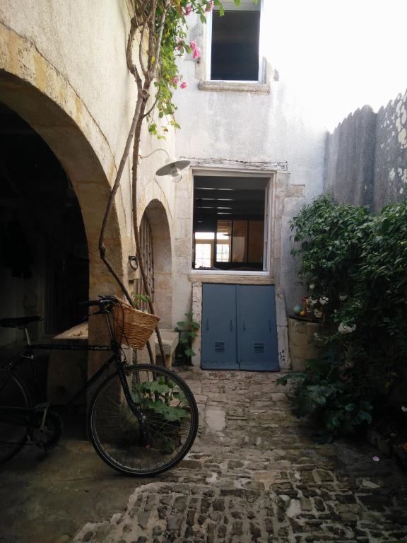 Maison / Villa à ARS EN RE 17590 (2307)