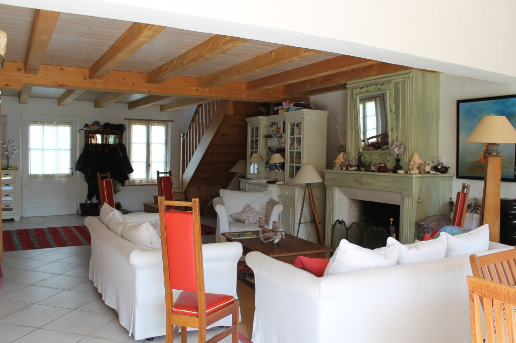 Maison / Villa à SAINT CLEMENT DES BALEINES 17590 (2262)