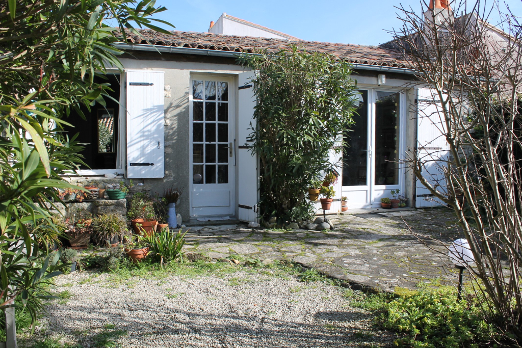 Maison / Villa à ARS EN RE 17590 (2263)